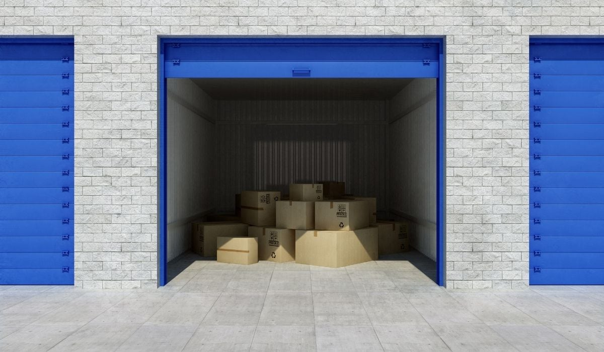 storage unit with boxes